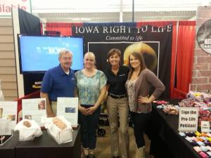 Gov. Branstad and Lt. Gov. Reynolds dropped by our booth at the Iowa State Fair!